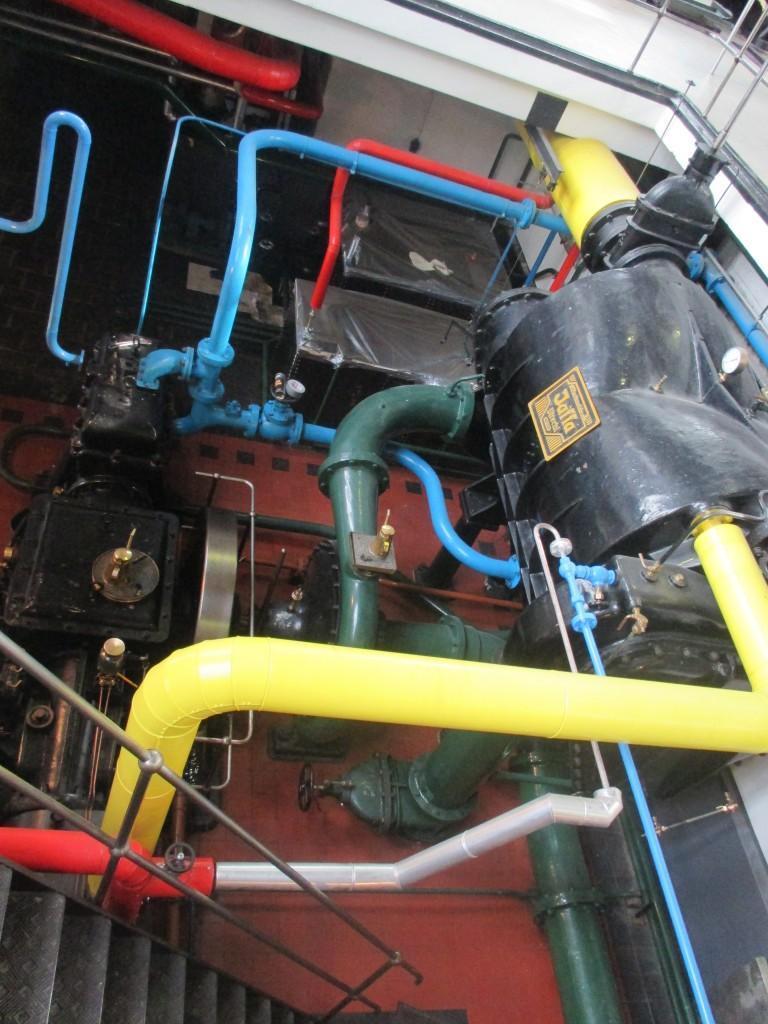 Condenser & Oil Separation System