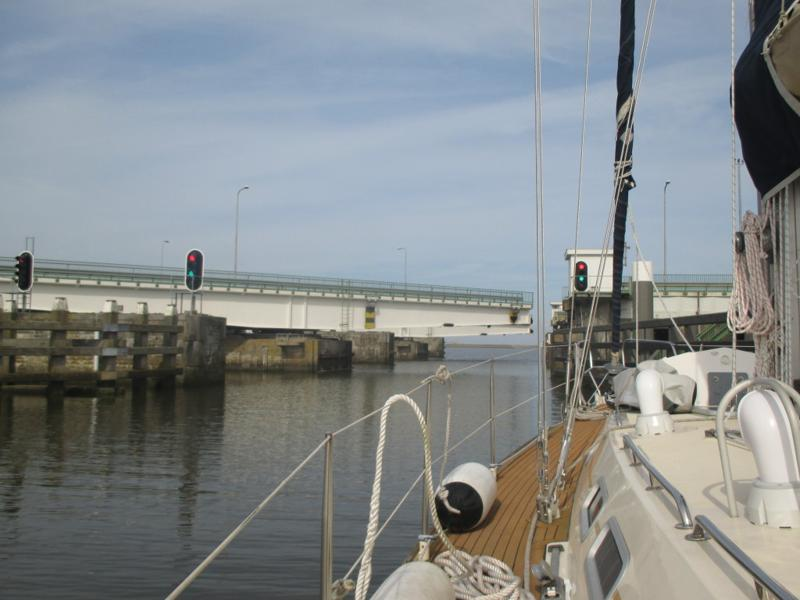Bridge accompanying Stevinsluizen